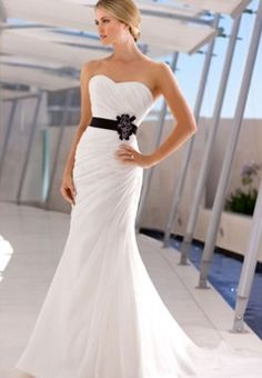 Sweet heart neckline - Ella Bridal
