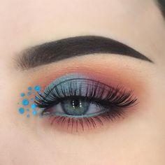 Gorgeous Makeup: Tips and Tricks With Eye Makeup and Eyeshadow – Makeup Design Ideas Blue Makeup Looks, Makeup For Green Eyes, Blue Eye Makeup, Eye Makeup Tips, Smokey Eye Makeup, Makeup Inspo, Makeup Art, Lip Makeup, Makeup Inspiration