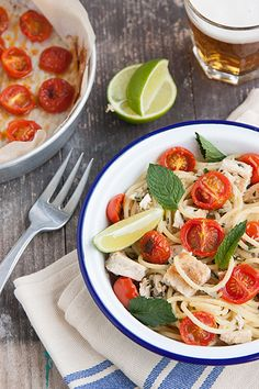 Pasta con pesce spada, pomodorini confit, lime e menta