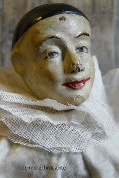 Glass Dolls, Shabby Chic Antiques, Pierrot, Send In The Clowns, Circus Art, Vintage Scrapbook, Old Dolls, Antique Toys, Shades Of Red