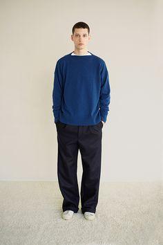 Urban Minimalist Fashion, Minimal Fashion, Preppy Boys, Mens Fashion, Fashion Outfits, Japanese Fashion, Fashion Photo, Textiles, Casual