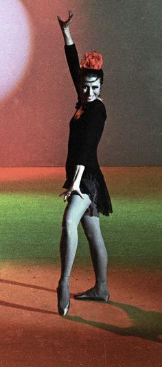 Prima Ballerina Assoluta: Maya Plisetskaya Celebrates Her 89th Birthday. Ballet beautie, sur les pointes !