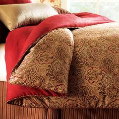 Paisley Bedding in Gold & Red.