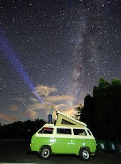 9點上弦月下山、11點銀河落下、天空無雲、配備齊全、老T就位⋯⋯無奈技術不足,照片小有缺憾,勉強完成一項任務!