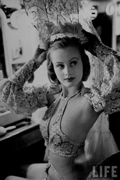 """"""" Chorus girl, Hope Chandler, in the dressing room backstage at the Paradise cabaret restaurant in New York City, Photo by Peter Stackpole. This photo was featured on the cover of LIFE Magazine. Vintage Glamour, Vintage Beauty, Vintage Ladies, Top Vintage, Cabaret Burlesque, Vintage Burlesque, Burlesque Makeup, Hollywood Glamour, Old Hollywood"""
