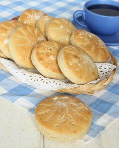 Drömgoda tekakor – Lindas Bakskola Bread Recipes, New Recipes, Tasty, Yummy Food, Swedish Recipes, Fika, Bread Baking, Food Inspiration, Baked Goods