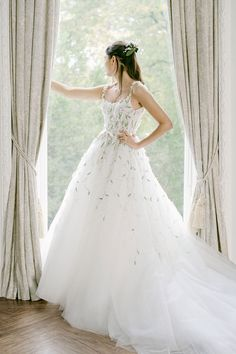 Monique Lhuillier Fall 2021 Collection will be showcased at L'elite Bridal from Jan 15th until Jan 17th. To book your appointment please call the store at 617.424.1010 ext 4. #moniquelhuillierbridal #moniquelhuillier #bridalcollection #bridal #bridetobe# weddinggown #weddingdress #moniquelhuilliertrunkshow #trunkshow #bridalboutique #boston #newbury #inspiration #dreamdress #bridetobe #bride Elegant Wedding Dress, Tulle Wedding, Wedding Bells, Bridal Gowns, Wedding Gowns, Monique Lhuillier Bridal, Bridal Fashion Week, Lily Of The Valley, Bridal Boutique