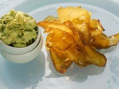 Chips aus Kürbis mit Avocadodip   Zeit: 30 Min.   http://eatsmarter.de/rezepte/chips-aus-kuerbis-mit-avocadodip