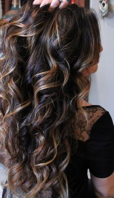 Love the curls and highlights!