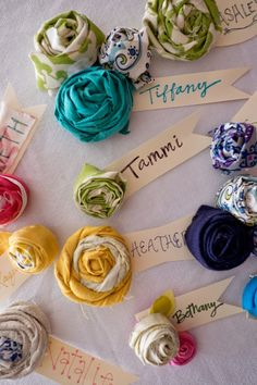Fabric Rolled Flower Name Tags. don't need name tags but would be cute for hair clips Mops Name Tags, Mops Theme, Sewing Projects, Craft Projects, Craft Ideas, Project Ideas, Fleurs Diy, Mom Group, Flower Names