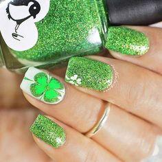 12 Floral Nail Designs For Spring - motivational trends