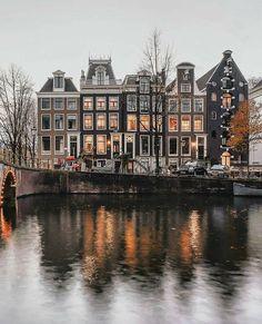p r e s e n t s : l o c a t i o n | Amsterdam Netherlands : p h o t o c r e d i t |@een_wasbeer : f o l l o w |@247gram : f o r f e a t u r e s | tag your photo with#247gram : #Travel #Traveling #Travelers #Traveler #Explore #Exploring #Explorerl #Wander #Wanderer #Wanderlust #TravelBug #SoloTravel #TravelBlogger #TravelPhotography #TravelDiary #TravelersJournal #TravelLife #TravelPics #TravelTips #TravelGirls #TravelMore