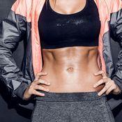 Kroppa timmiksi kahvakuulalla – kuuden liikkeen tehotreeni | Me Naiset Bikinis, Swimwear, Crop Tops, Bra, Women, Fashion, Bathing Suits, Moda, Swimsuits