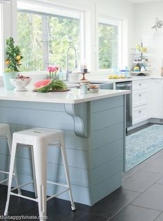 A Happy Kitchen: White Kitchen with a Coastal Vibe - Maison de Pax Happy Kitchen, Summer Kitchen, New Kitchen, Kitchen Dining, Kitchen Ideas, Dining Room, 1950s Kitchen, Condo Kitchen, Narrow Kitchen