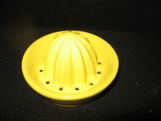 Vintage Small Yellow Ceramic Juicer Reamer Top - Nice Condition!