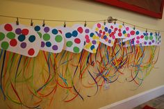 Resultado de imagem para jellyfish craft for preschool Sea Crafts, Crafts To Do, Crafts For Kids, Daycare Crafts, Classroom Crafts, Jellyfish Art, Jellyfish Light, Under The Sea Theme, School Themes