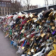 I will go to Paris one day to put a lock on the bridge! :)