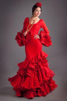 Nuevos trajes de flamenca para el 2016 con nuestra colección Gitanillas Andaluzas. Toda la esencia de El Ajolí al alcance de tu mano. Visítanos.