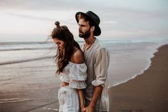 Wedding Couple Poses Photography, Friend Photography, Maternity Photography, Teen Couple Pictures, Photography Contract, Couple Beach, Engagement Shoots, Engagement Couple, Couple Shoot
