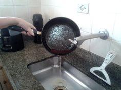 Descarte irregular de óleo de cozinha gera preocupação no litoral de SP
