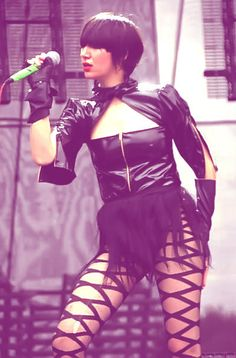 #NewObsession after seeing her live with the Yeah Yeah Yeahs #KarenO I want to be you
