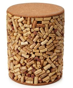 Wine Cork Stool now I know how to put all those used corks to use! Great for a wine cellar! Wine Craft, Wine Cork Crafts, Wine Bottle Crafts, Diy Cork, Cork Table, Wine Cork Projects, Wine Cork Art, Deco Nature, Wine Bottle Corks