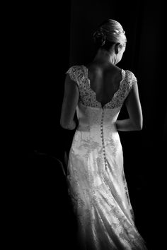 V back Open Back Lace detailing and buttons wedding dress #weddingdress #wedding #bespoke #designerweddingdress #bridalgown #luxury #couture #british #britishweddingdressdesigner #londonbride #coutureweddingdress #englishweddingdressdesigner #silk #lace #embroidery #veil