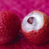 Gogosi cu branza - CAIETUL CU RETETE Strawberry, Fruit, Food, Essen, Strawberry Fruit, Meals, Strawberries, Yemek, Eten
