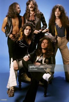 Photo of Ian PAICE and Jon LORD and Glenn HUGHES and David COVERDALE and DEEP PURPLE and Tommy BOLIN; L-R : Ian Paice, Jon Lord, Glenn Hughes, : Tommy Bolin, David Coverdale - posed, studio, group shot