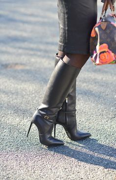 Fashion Blog di Dania CarboniniBlack Leather and Touches Of Red