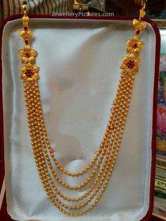 Five Stepped chandrahar in light weight.Floral attachments at the top gives a elegant and beautiful outlook.Suits for all ages of people Gold Chain Design, Gold Bangles Design, Gold Earrings Designs, Gold Jewellery Design, Handmade Jewellery, Necklace Designs, Gold Jewelry Simple, Bridal Jewelry Sets, Fancy