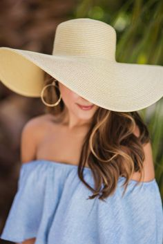 The perfect floppy hat for all your summer-y activities. Whether you are sunbathing at the beach or strolling through a...