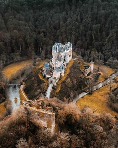 Burg Eltz (Germany) by Christina (@een_wasbeer) on Instagram<<I just gotta make this a book setting