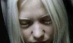 Время идет.. и я старею альбинос, альбинизм модель белве волосы, белые ресницы, бледная кожа, тамблер, я стала собой,люди, меланхолия,девушка альбинос,как стать альбиносом, albino, albinism model belva hair, white eyelashes, pale skin, tumbler, I became myself, people, melancholy, girl albino, how to become an albino dark,darkness,gothic,anastasiz,анастасиз