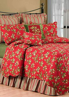 C&F Mistletoe & Holly Quilt Collection Cottage Christmas, Christmas Home, Cozy Bedroom, Bedroom Decor, Christmas Bedding, Guest Room Decor, Cheap Bed Sheets, Quilt Sets, Bedroom Colors