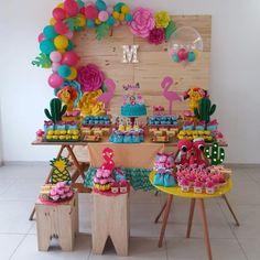 Este posibil ca imaginea să conţină: mâncareMoana birthday decorations and goody boxes by me, custom letters by cake by sweets by… Cumpleaños de Moana.Moana Themed Balloon Garland with Paper Flowers by Cake/Sweet Table styled by Flamingo Party, Flamingo Birthday, Hawaiian Birthday, Luau Birthday, Birthday Parties, Aloha Party, Luau Party, Balloon Decorations, Birthday Party Decorations