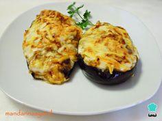 Aprenda a preparar berinjela recheada com frango no forno com esta excelente e fácil receita. Como ficar indiferente a uma receita de berinjela recheada com carne?...