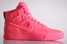 Google Image Result for http://www.waitfashion.com/wp-content/uploads/2010/04/nike-air-royalty-mid-vt-macarons-pack-5-1-510x339.jpg