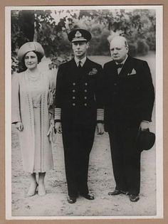 Press Agency photo, Winston Churchill with HM King George VI and Queen Elizabeth (the Queen Mother), 1940.