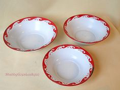 Set of three vintage white enamel nesting bowls with red decorated rim, shabby cottage chic kitchen home decoration Here is a set of three German