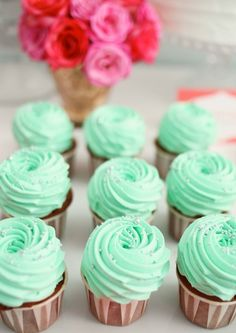 coral and mint cupcakes | Turquoise cupcakes, why not?theeverygirl:what a lovely color ...