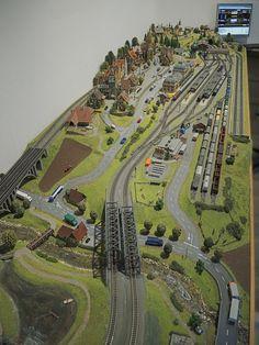 N Scale Train Layout, Ho Train Layouts, N Scale Layouts, Model Trains Ho Scale, N Scale Trains, Ho Trains, Train Ho, Escala Ho, Model Railway Track Plans