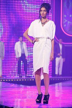 Fashion Star: Sarah's relaxed, asymmetrical silhouette is perfect for summer! Season 1, Star Fashion, Designers, Cute Outfits, Silhouette, Dreams, Shirt Dress, Popular, Stars
