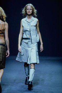 Prada Spring 1999 Ready-to-Wear Fashion Show - Esther de Jong