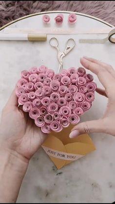 Diy Crafts Hacks, Diy Crafts For Gifts, Diy Home Crafts, Creative Crafts, Paper Flowers Craft, Paper Crafts Origami, Diy Paper, Boyfriend Crafts, Diy Gifts For Boyfriend