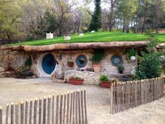 5 Hobbit-Inspired Vacation Homes You Can Rent: Maison de Bilbo in the South of France Casa Dos Hobbits, Earth Sheltered Homes, Unique Vacations, Family Vacations, Underground Homes, Unusual Homes, Earth Homes, Natural Building, Green Building