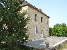 Location vacances maison Saint-Ouën-des-Toits: La grande maison de la poupardière