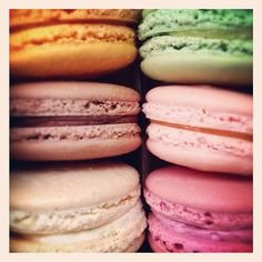 Did you know our Slim Shall Case colors were inspired by macaroons? Check out these colorful and delicious summer treats from Pistacia Vera. Pistacia Vera, Amish Chicken, Pistachio Macarons, Brick Oven Pizza, Corned Beef Recipes, I Love Chocolate, Summer Treats, Macaroons, Sweet Treats