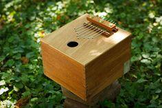 Cigar box thumb piano