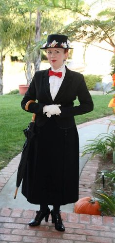 Mary Poppins Costume - Cosplay - Spoonful of Sugar - DIY Homemade - Halloween - #practicallyperfect